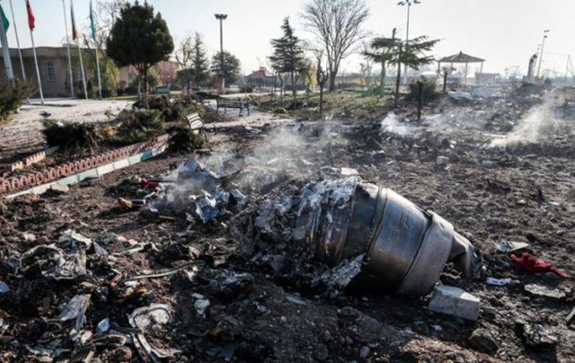 مراجعه۱۳۰نفر از بستگان حادثه سقوط هواپیما به پزشکی قانونی