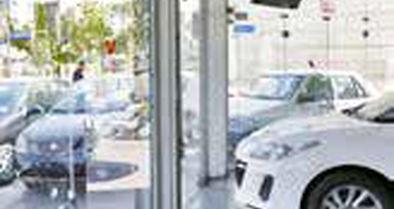 خریداران خودرو در انتظار کاهش قیمتها