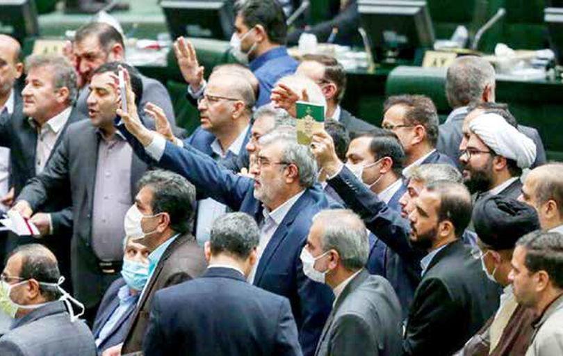 قالیباف اقتدار اداره مجلس را ندارد