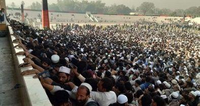 کشته شدن 12زنِ افغان در صف اخذ ویزای پاکستان