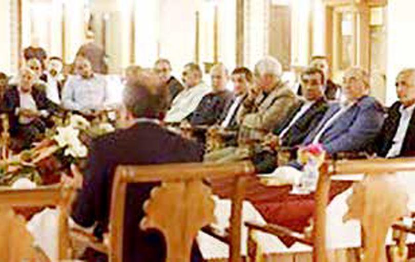 نشست صمیمی مظفری با سرمایهگذاران و فعالان اقتصادی