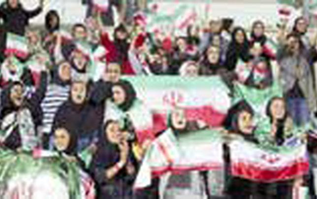 دولت با حضور زنان در استادیومهای ورزشی موافق است