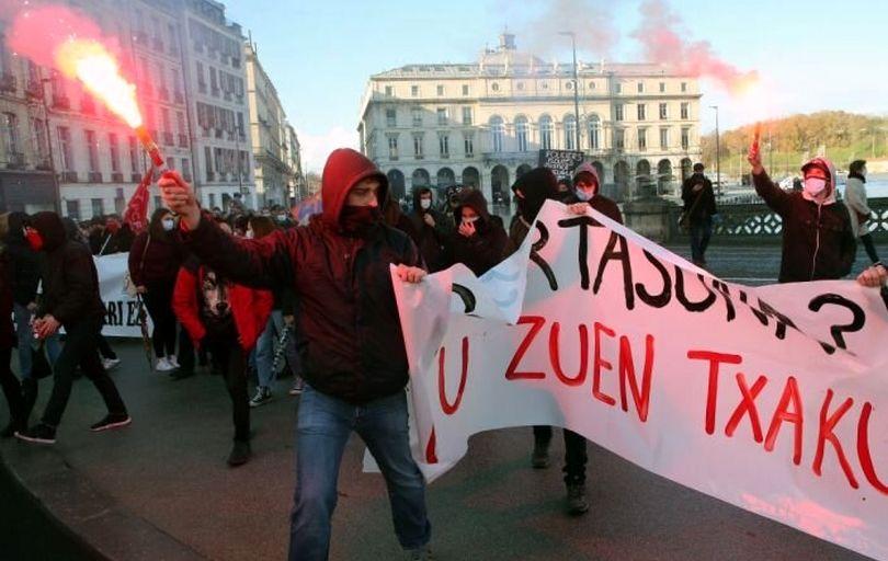 بازداشت ۱۵۰ تن در اعتراضات پاریس
