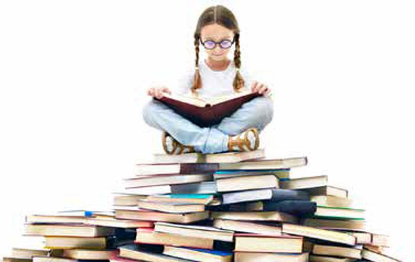 آیا اگر خوره کتاب باشیم، فرزندانمان کتابخوان میشوند؟