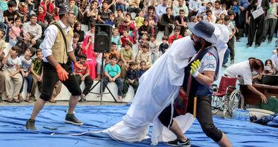 جشنواره تئاتر خیابانی مریوان و طرح چند پرسش