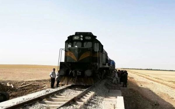 برخورد قطار با دختر ۱۲ ساله در حین بازی