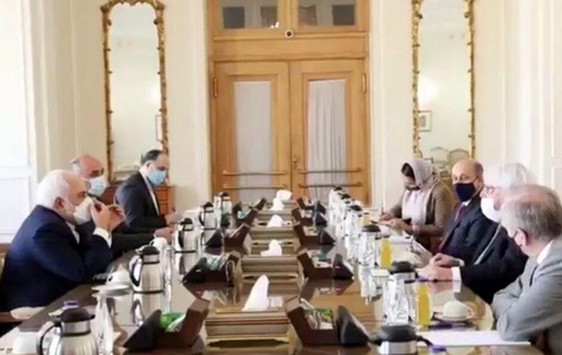 جامعه جهانی در راستای حل سیاسی بحران افغانستان موضع صریحی بگیرد