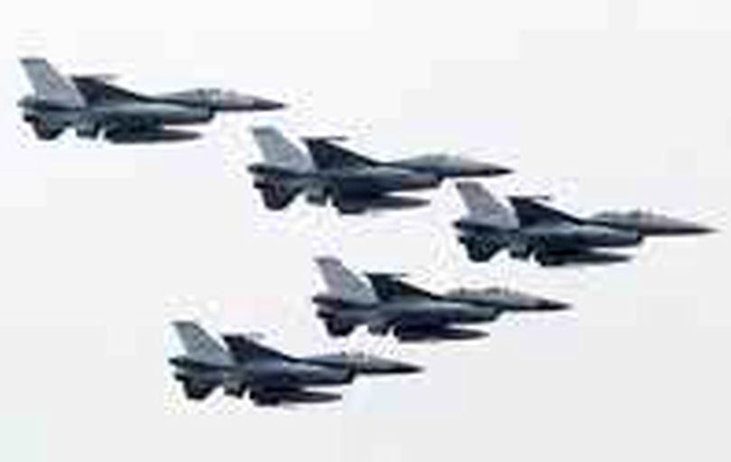 آمادهباش نیروی هوایی تایوان برای مقابله با هواپیماهای چینی