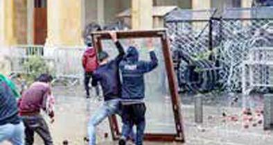 400 زخمی در صفوف معترضان و نیروهای امنیتی