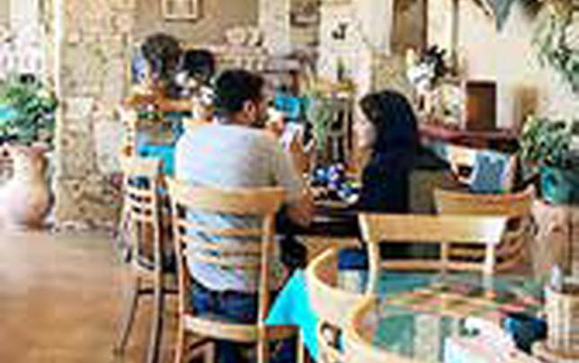 مینو محرز: رستورانها، بدترین مکان برای انتقال کروناست