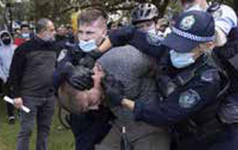 بازداشت صدها معترض قرنطینه ضدکرونایی در استرالیا