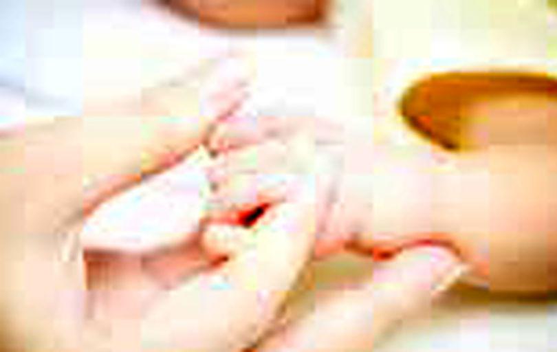 ماجرای قطع انگشت دست یک نوزاد در بیمارستان شهریار
