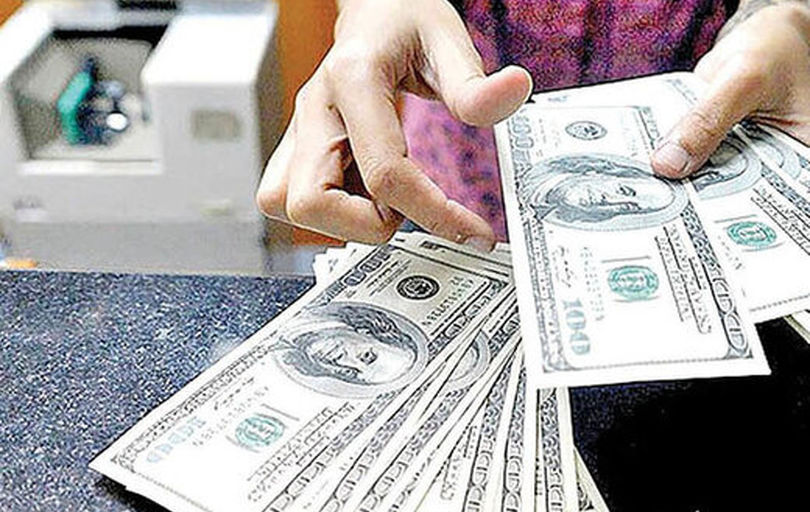 دلار در مرز18هزارتومان درجا زد