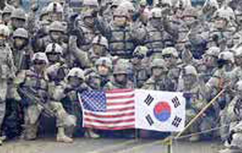 ترامپ کاهش نیروهای آمریکا در کرهجنوبی را بررسی میکند