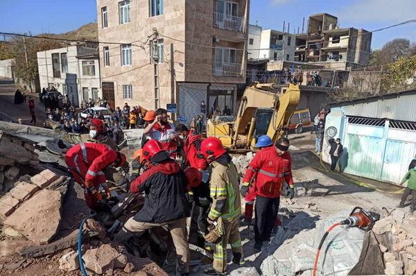 حادثه مرگبار ورود کامیون به ساختمان مسکونی