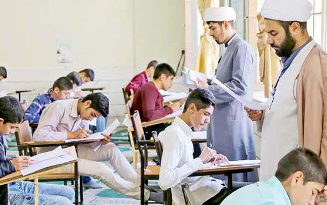 اشتغالزایی مناقشهبرانگیز برای طلاب