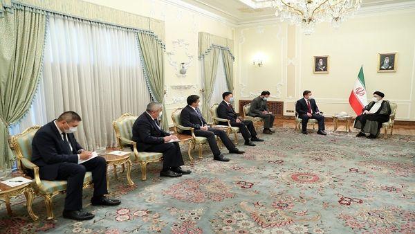 تأکید رئیسی بر گسترش روابط و دوستی با کشورها