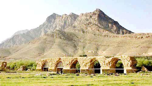 زخم عمیق آب بر پیکره آثار باستانی