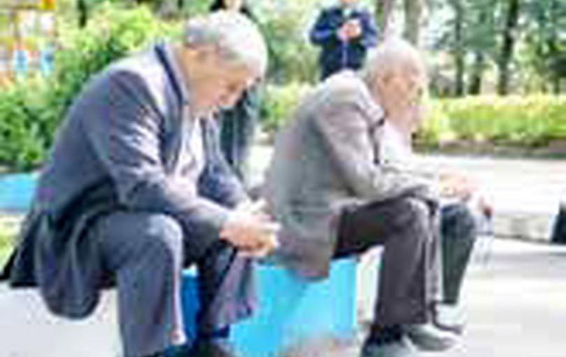 ملاحظات دولت در حوزه مستمری و مزد  تحمیل میشود